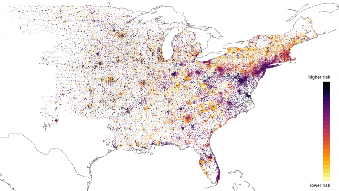 heat map of U.S. showing a spectrum of high to low risk as different color dots